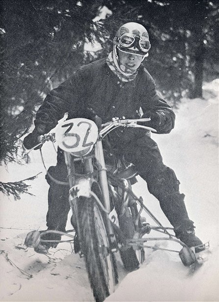 1958_Silver Arrow on ski