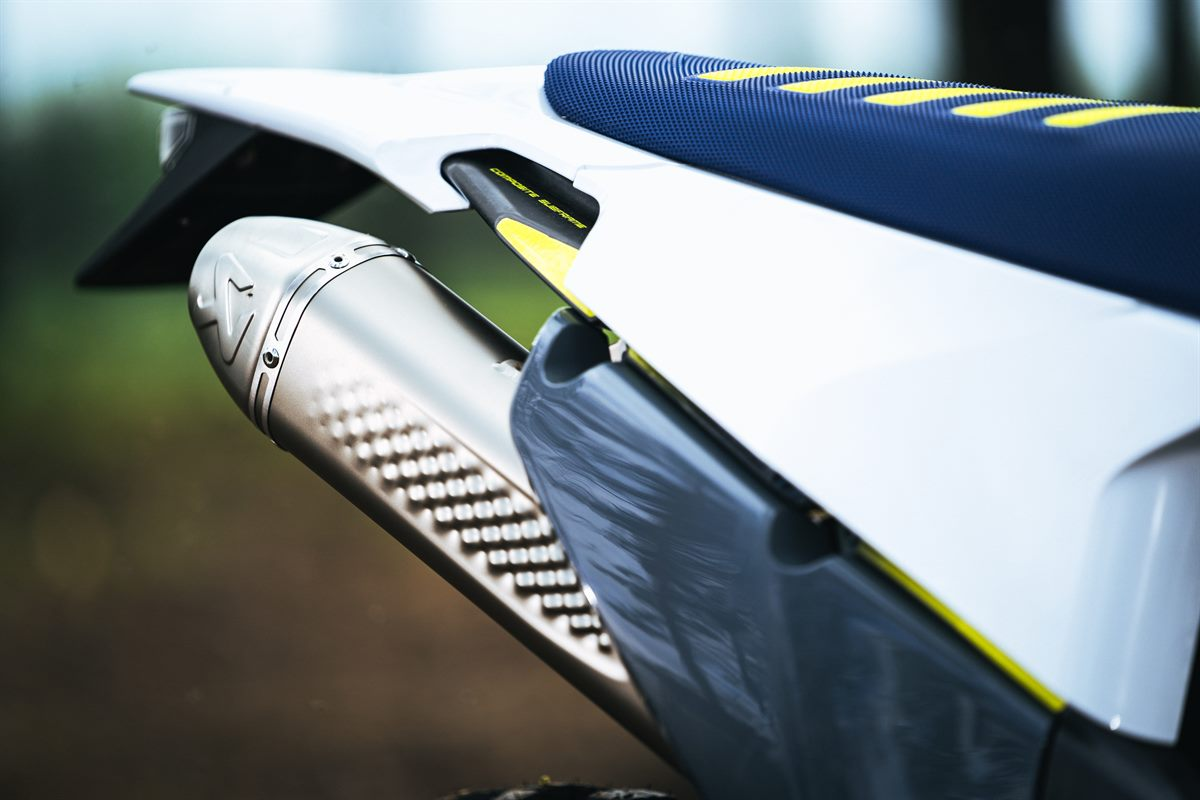 AKRAPOVIC_SLIP ON LINE - Detail (3)