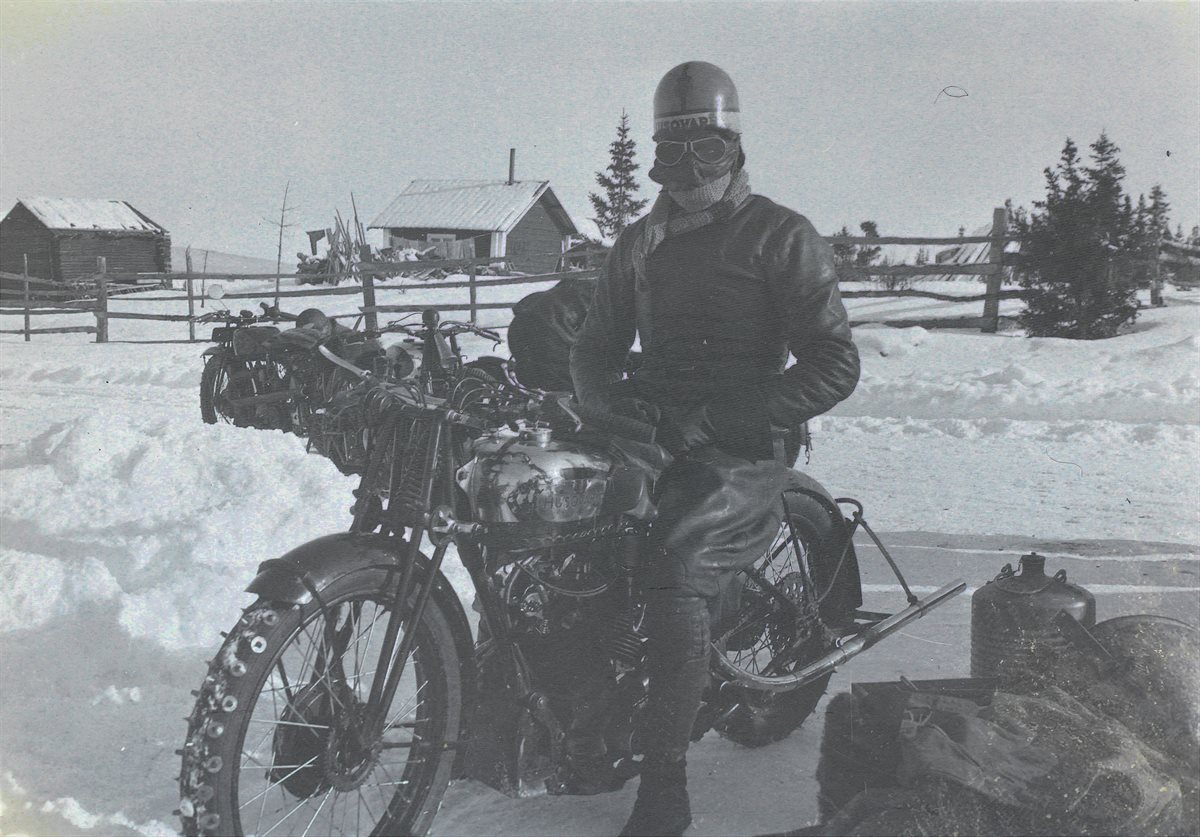 1930s_Kalén_Husqvarna with spikes
